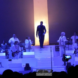 Konser Tulus 01 wm