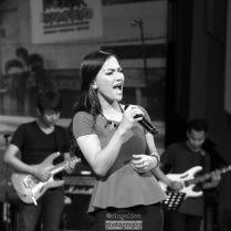 Menyanyikan Kesempurnaan Cinta di Badai Cari Bintang