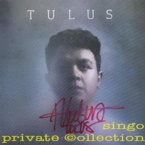 tulus-2016-monokrom-signed-wm
